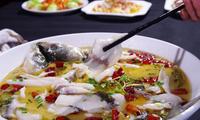 20年大厨:做酸菜鱼时不要直接下锅煮,多加这1步,更加酸辣可口