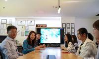 苹果副总裁葛越会见学生获奖者:学习编程使人受益匪浅