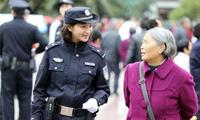 女警朋友圈走红网络 看完世界各国女警还是中国的最美0
