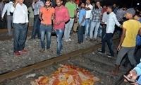 印度列车撞人事故已致至少60人死 印铁路部门负责人:不赖我