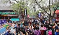 西安人不去的回民街,人多价高却依然人满为患,因为外地人喜欢