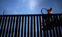 """关门大限临近 特朗普坚称墨将为""""建墙""""买单"""