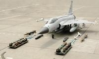 国人欢呼!中国这一战机已获3国抢购,印度承认:这次败局已定了