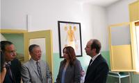 驻摩洛哥大使李立和摩卫生大臣杜卡利赴中国医疗队考察