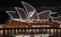澳大利亚多地为新西兰枪击案遇难者举行纪念活动 悉尼歌剧院亮灯