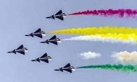 中国空军八一飞行表演队献技巴基斯坦国庆日