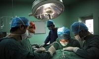 女子手术做到一半却没发现肿瘤 家属索赔8万