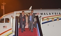 马来西亚总理马哈蒂尔抵达杭州机场
