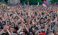 亚美尼亚街头抗议、总理辞职:后苏联时代的民主转型困局